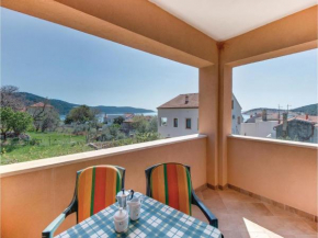 Two-Bedroom Apartment in Martinscica
