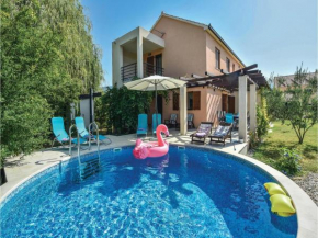 Holiday home Solin with Outdoor Swimming Pool 369